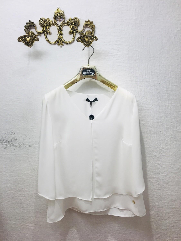 Blusa cuello pico