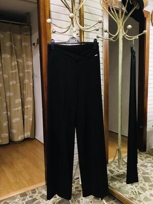Pantalón negro de punto