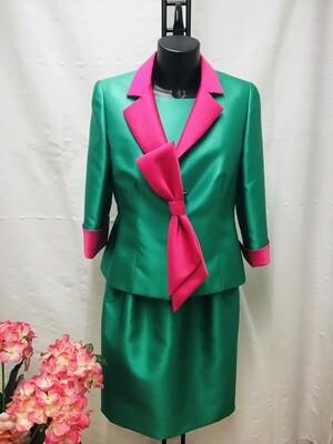 Traje de chaqueta y vestido verde