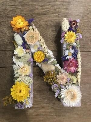 Lettre fleurie taille M