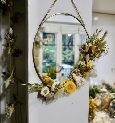 Miroir fleuri en laiton Capri (VENDU)
