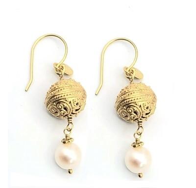 Scrolling Vines Pearl Earrings