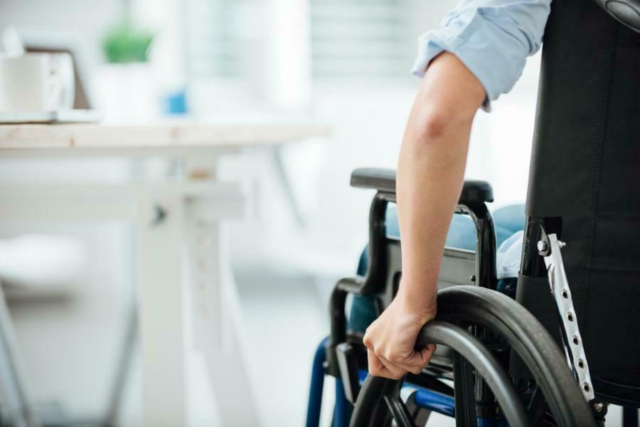 Muletas y sillas de ruedas