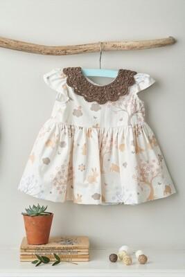 Modelo Brown Collar Baby Dress