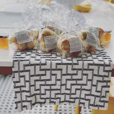 Party Favor Bags (4 bags of 6 biscuits each)
