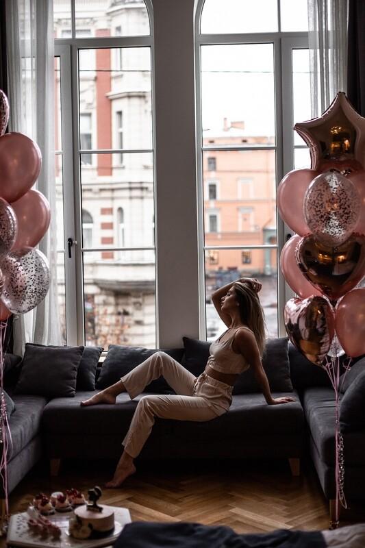 Букеты шаров розовое золото