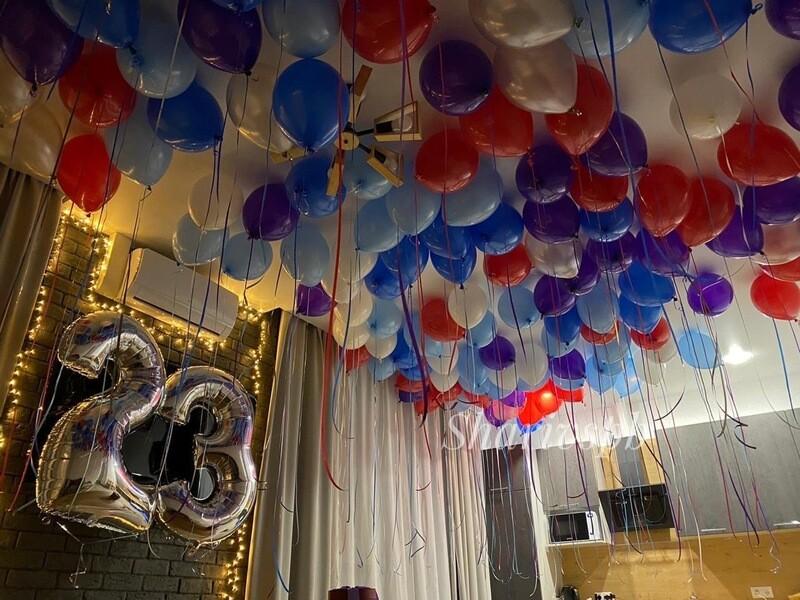 100 шаров под потолок