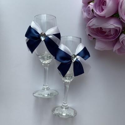 Бокалы с сине-белым бантиком