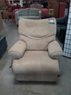 RECLINER OFF WHITE
