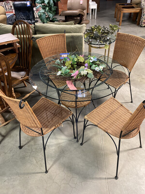 ROUND GLASS TABLE/4 CHAIRS