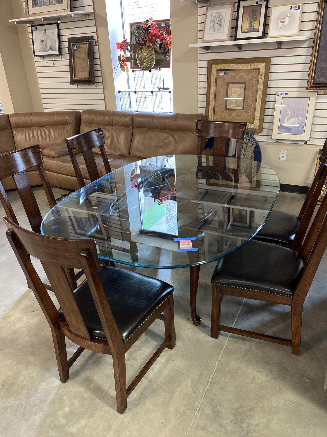 ROUND GLASS DINING TABLE/6 CHAIRS