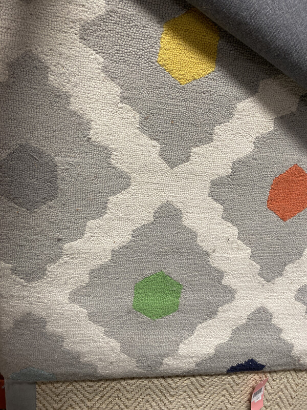 PB-MULTI DOTTED AREA RUG 5X8