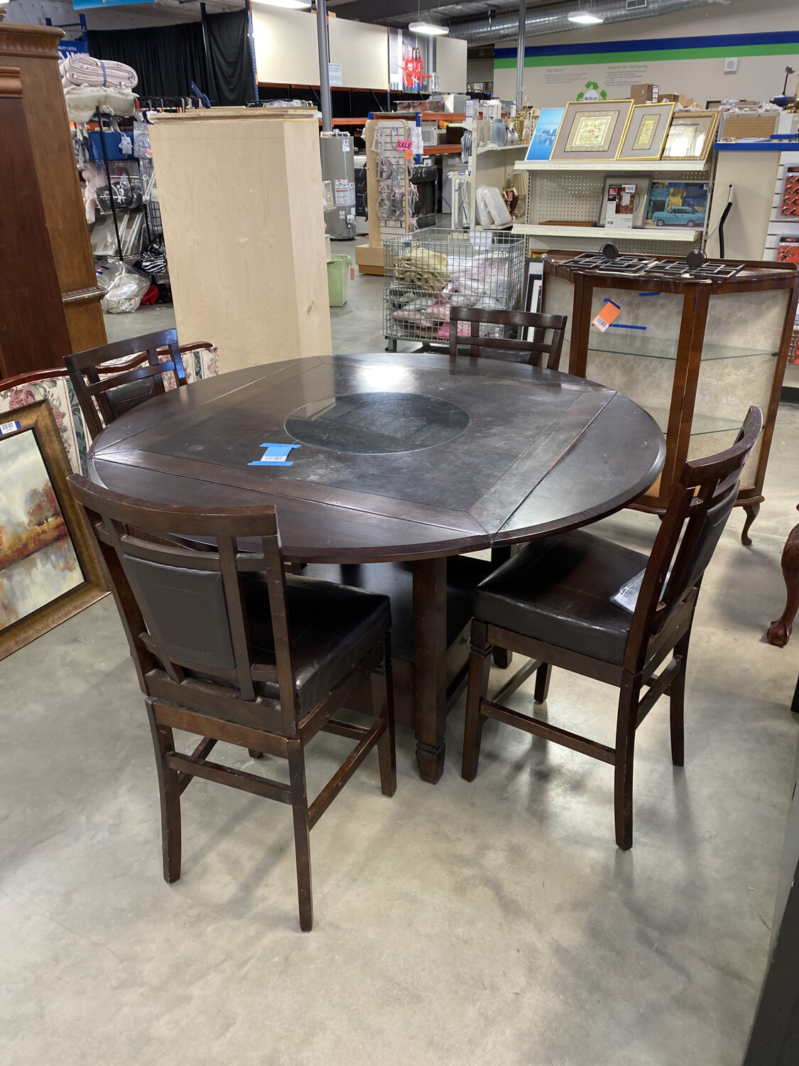 BROWN BAR HEIGHT TABLE W/4 CHAIRS