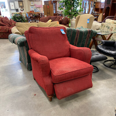 RED RECLINER