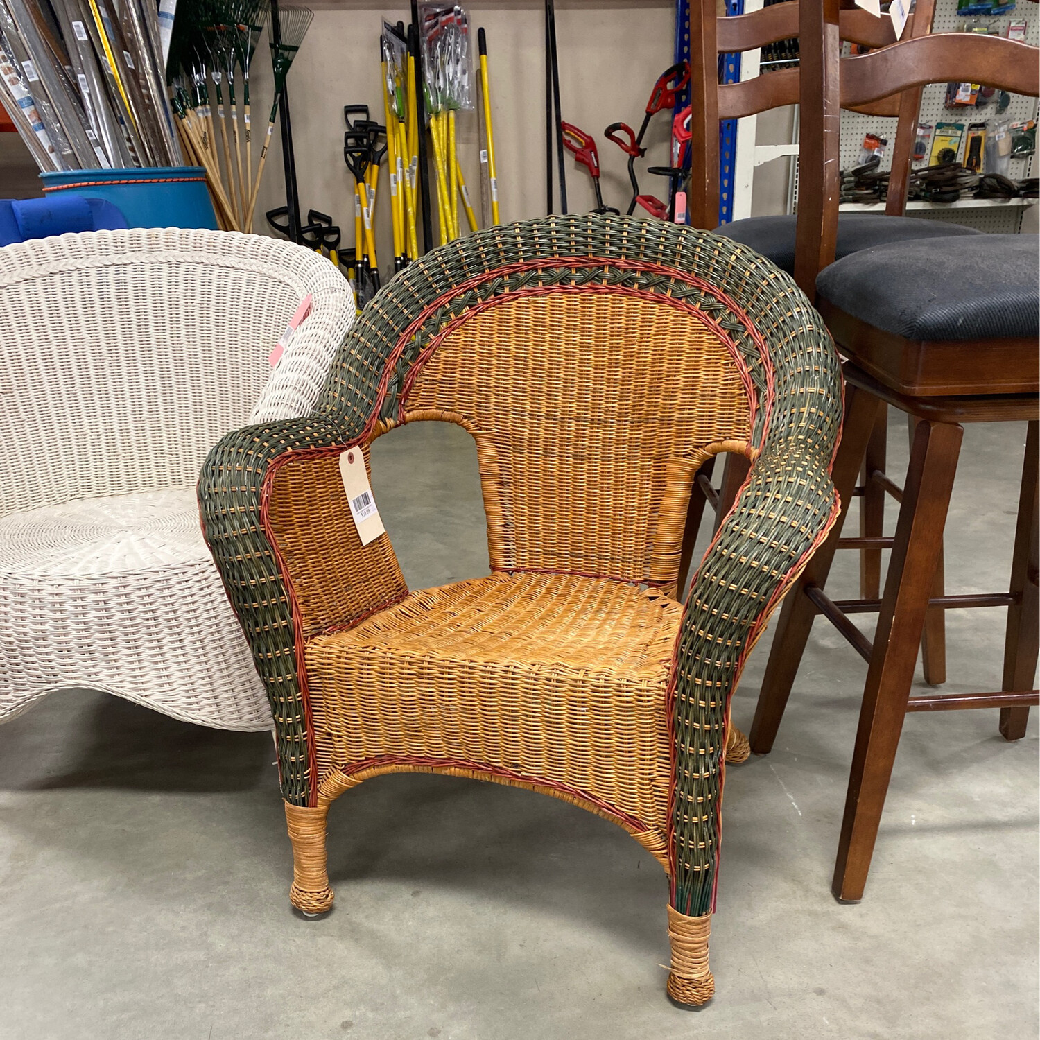 GREEN/RED/BROWN WICKER CHAIR