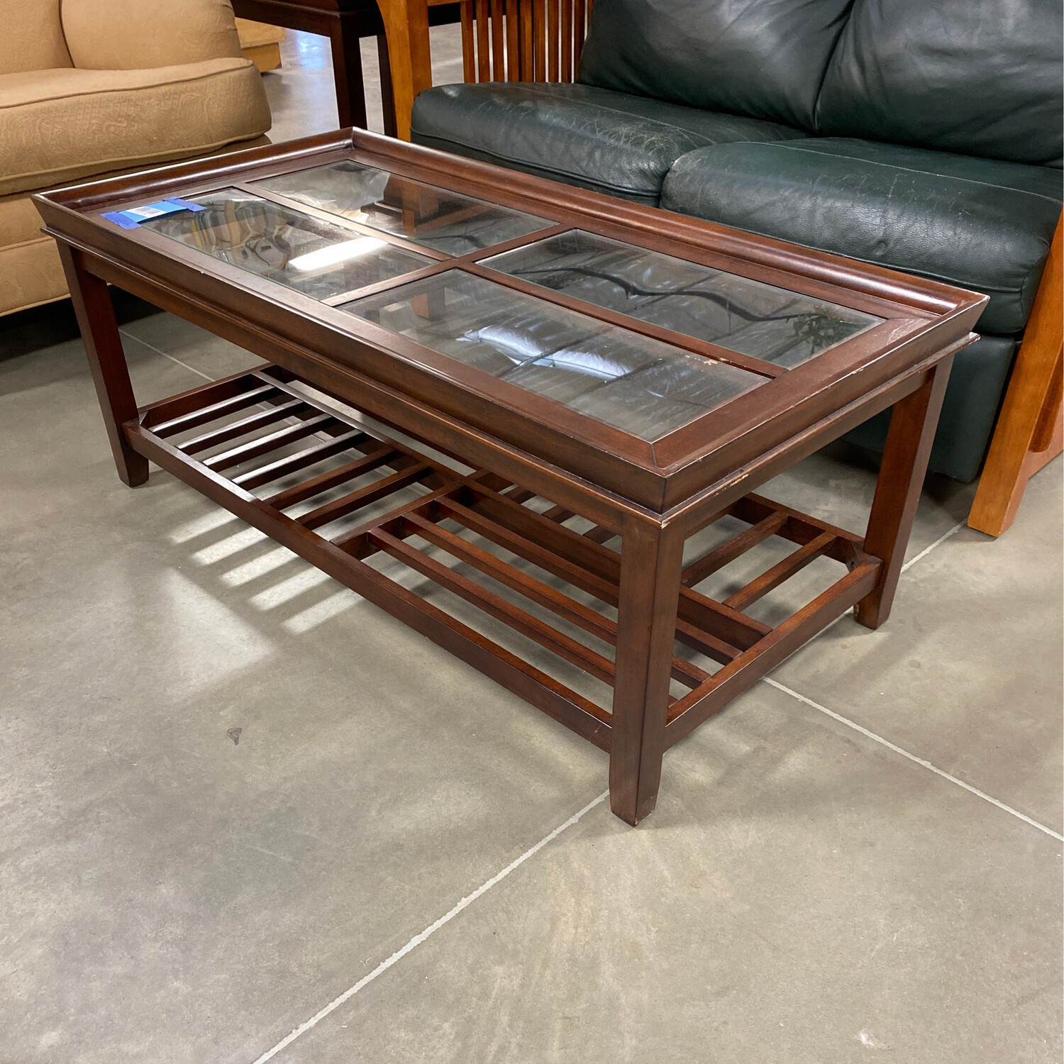 COFFE TABLE AND 2 SIDE TABLES