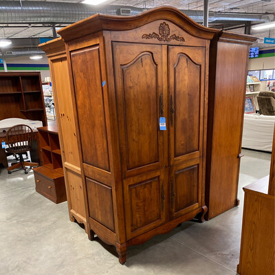 LARGE ARMOIRE/DRESSER