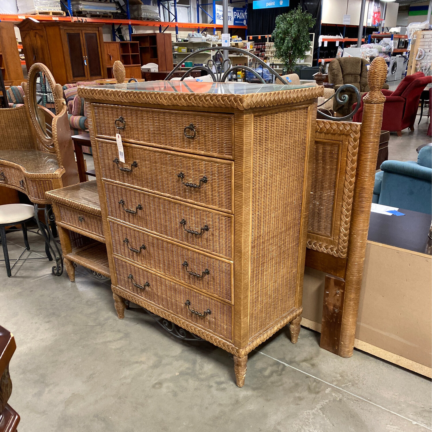 WICKER FULL SIZE HEADBOARD/DRESSER/VANITY/NIGHTSTAND
