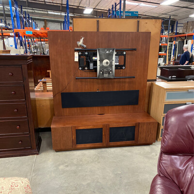 MOTORIZED TV STAND