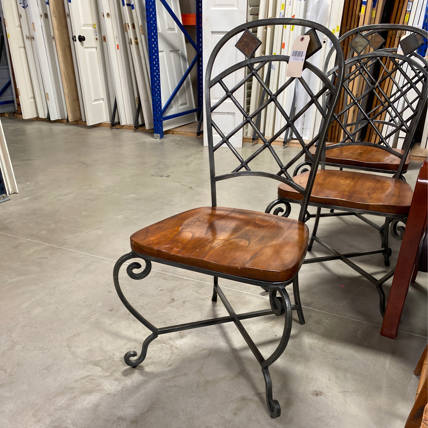 ORNATED DINING CHAIR