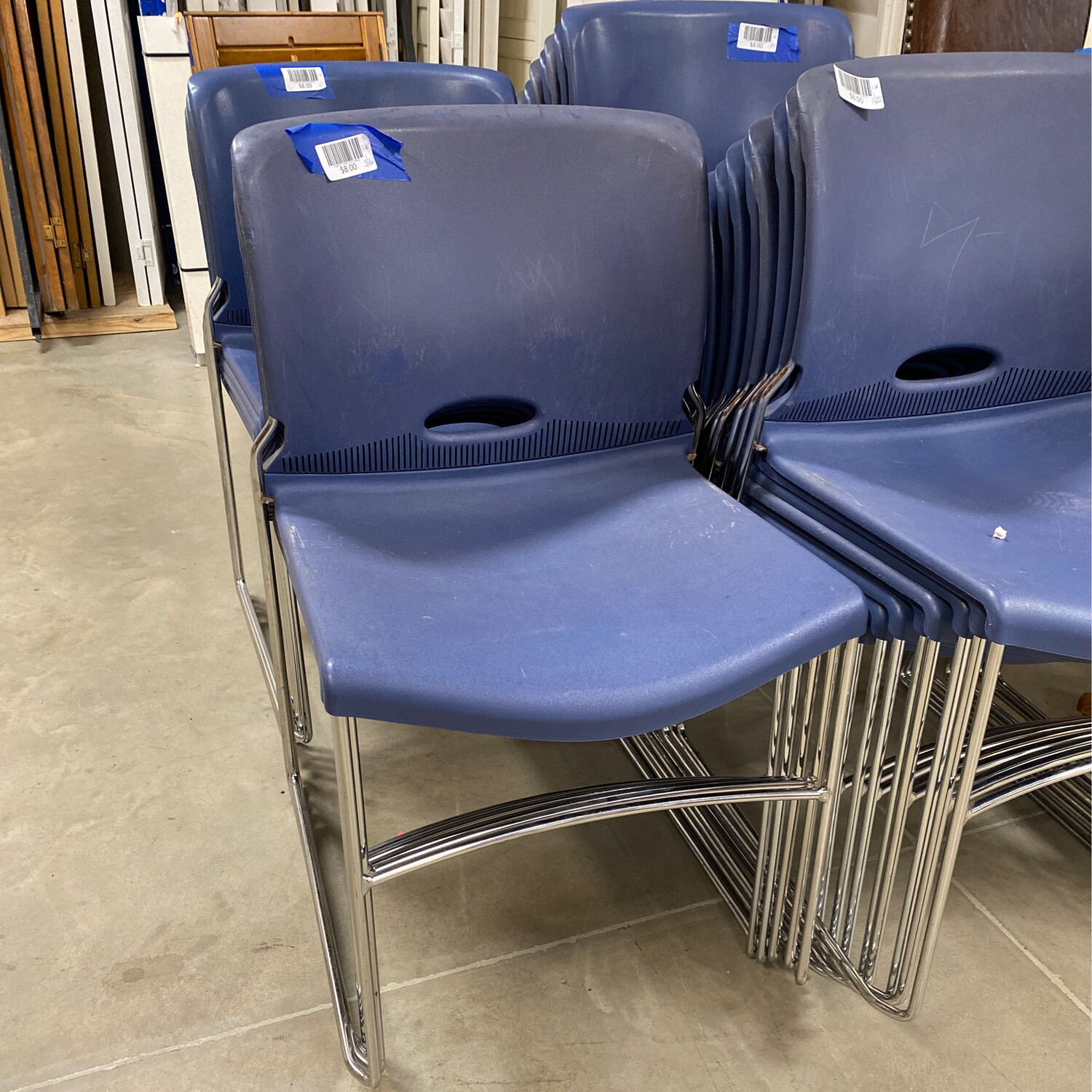 PLASTIC CHAIR STACKABLE