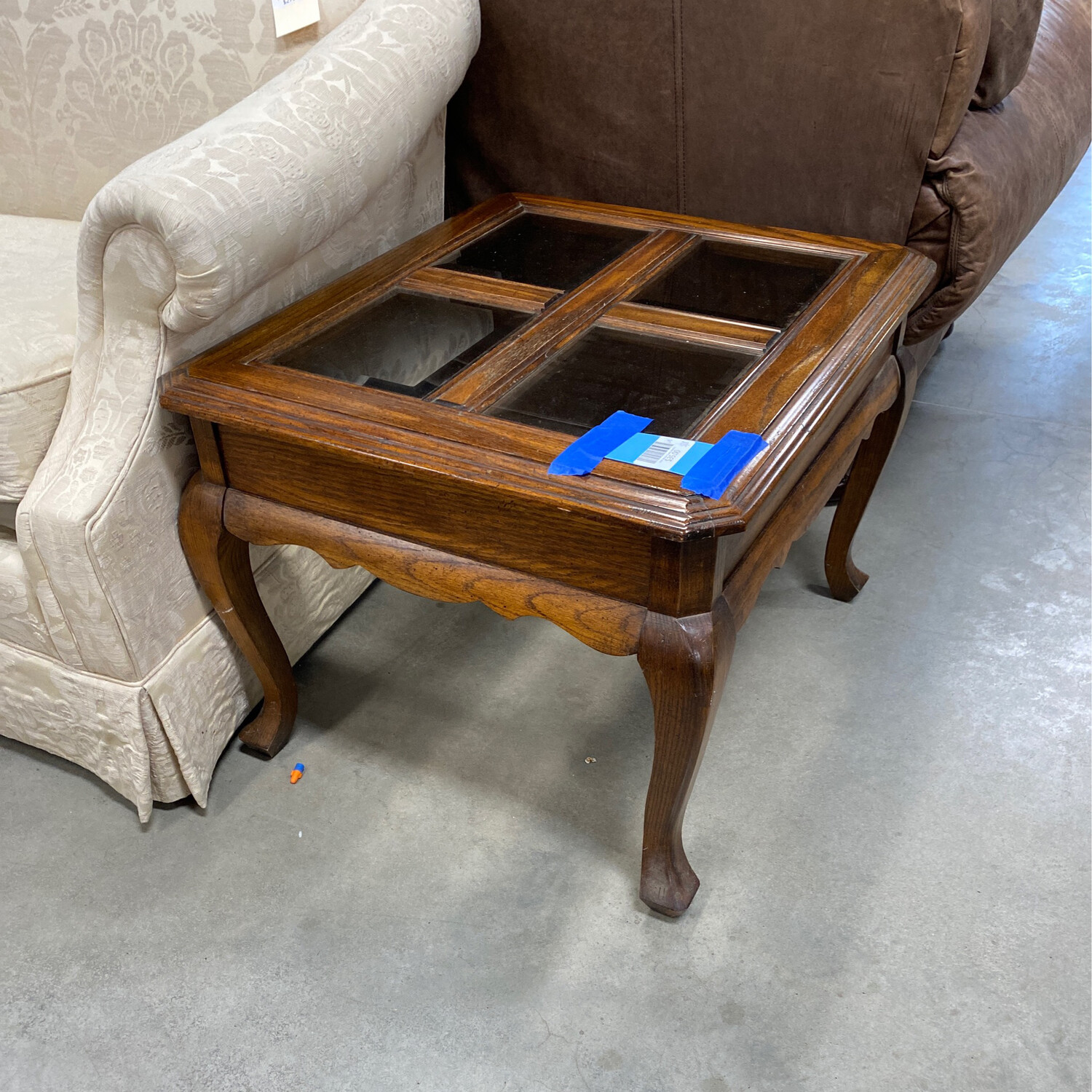 SIDE TABLE/4 GLASS INSERTS