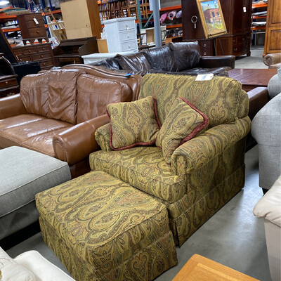 GREEN/BROWN/GOLD ETHAN ALLEN CHAIR WITH OTTOMAN