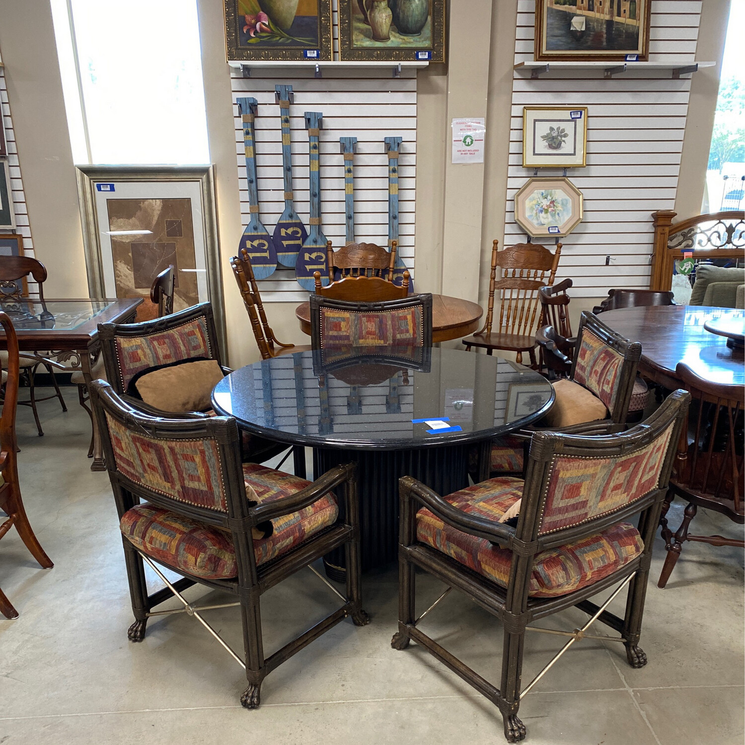 ROUND DINING TABLE/5 CHAIRS