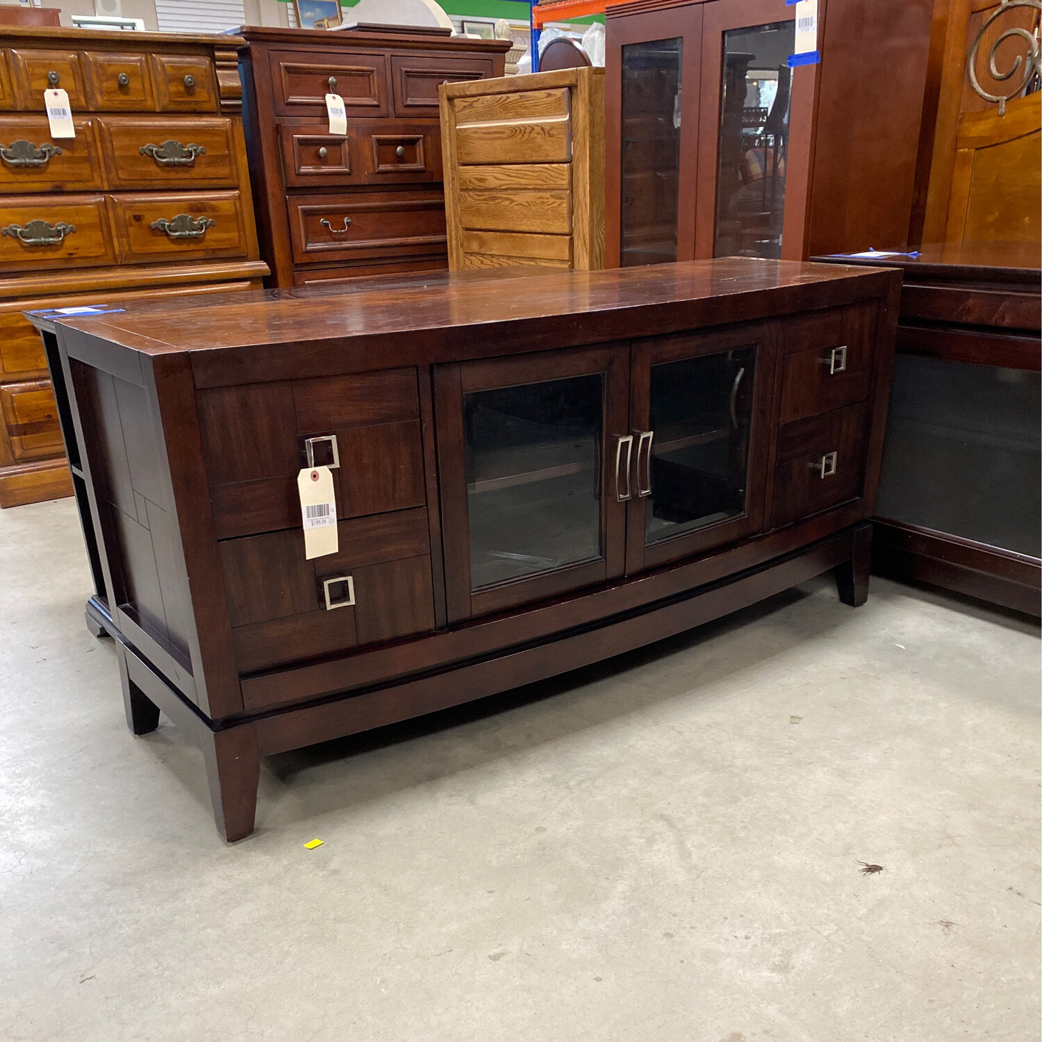 TV STAND BROWN SQUARE KNOBS