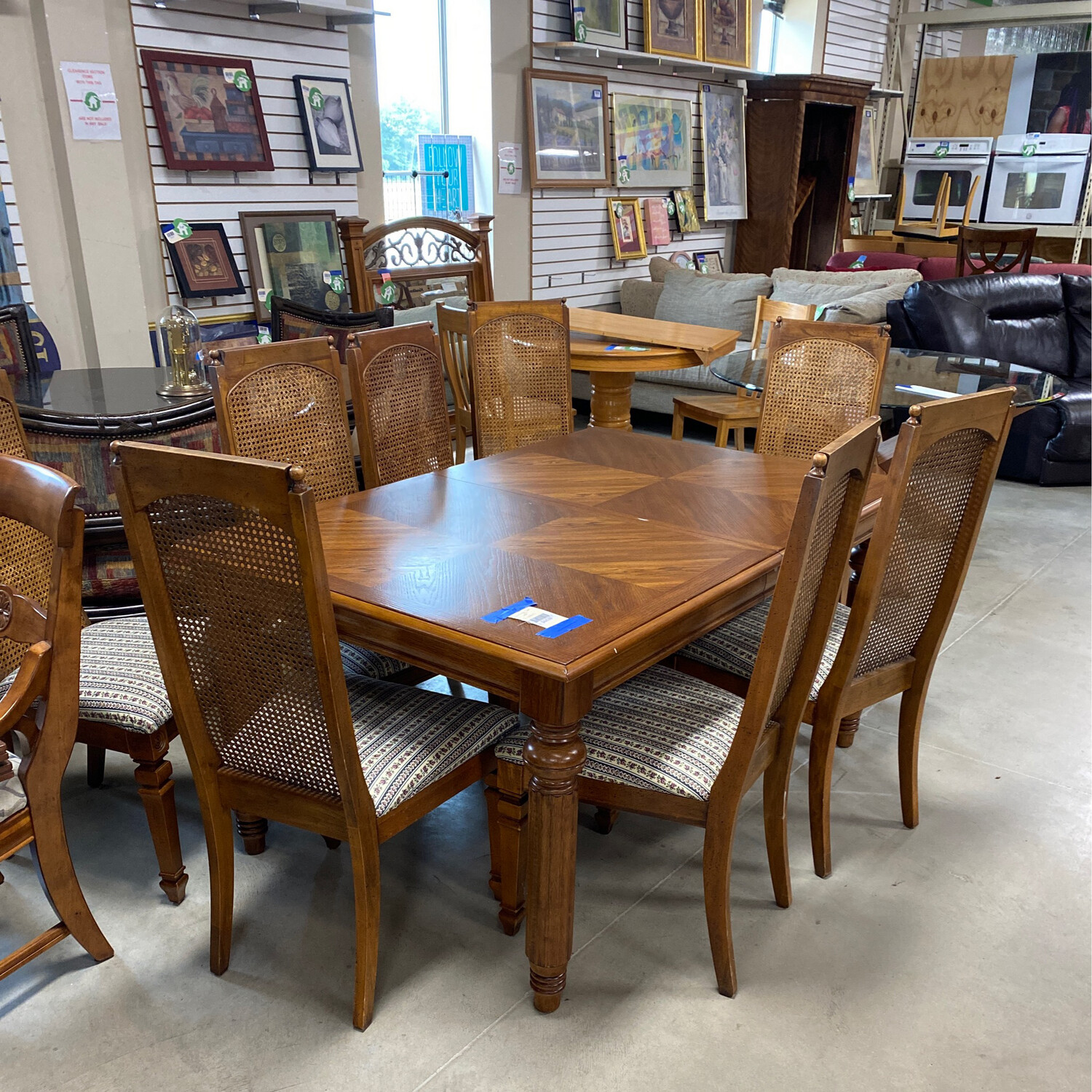 DINING SET W/8CHAIRS