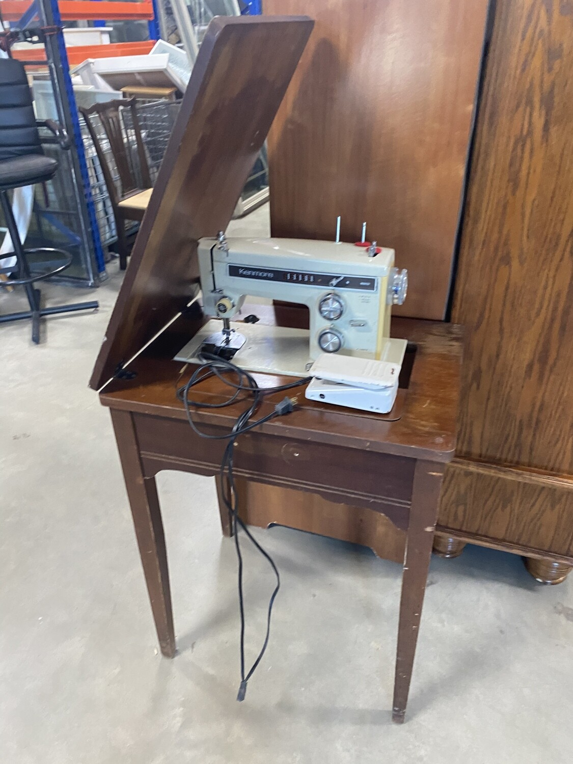 CLEARANCE KENMORE SEWING MACHINE