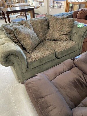 CLEARANCE SUADE GREEN LOVESEAT