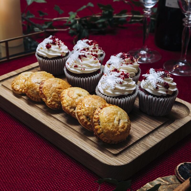 Christmas Red Velvet Cupcakes