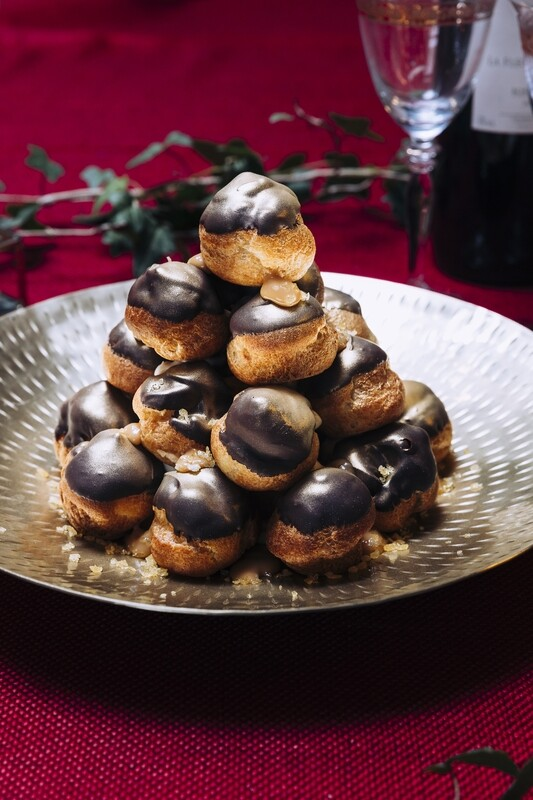 The C&B Profiterole Sharer