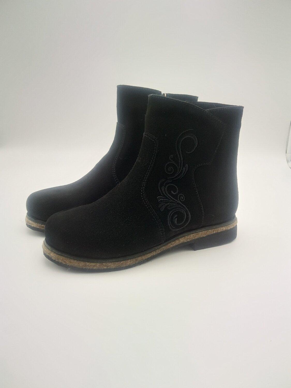 41 Унты-ботиночки женские из замши на молнии