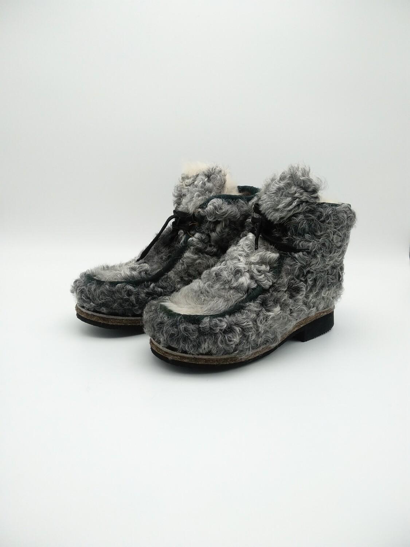 39 Унты-ботиночки женские из каракуля
