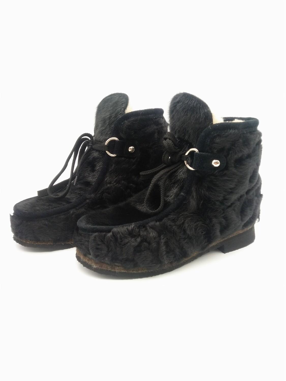 37 Унты-ботиночки женские из каракуля