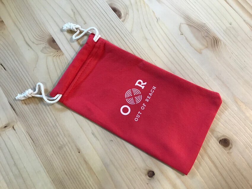 Pochette smartphone Out Of Reach
