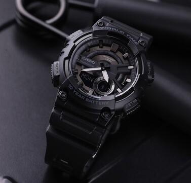 Casio Montre Homme G-Shock AEQ-110W-1B (Noir)