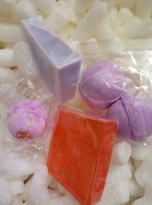 Cinnamon Soap, Solid Shampoo, (Lavender Essential Oil Scented) & 3 Mini Bath Bomb Pack