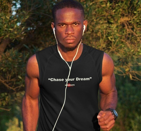 """M2Bs Message Line T-Shirt """"Chase Your Dream"""""""