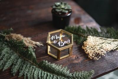 Personalisiertes Ringkästchen aus Glas (Gold)