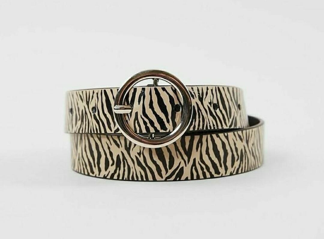 Zebra Bull-nose Buckle Belt