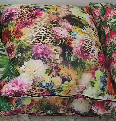 60x60 Wild Rose Scatter with down inner