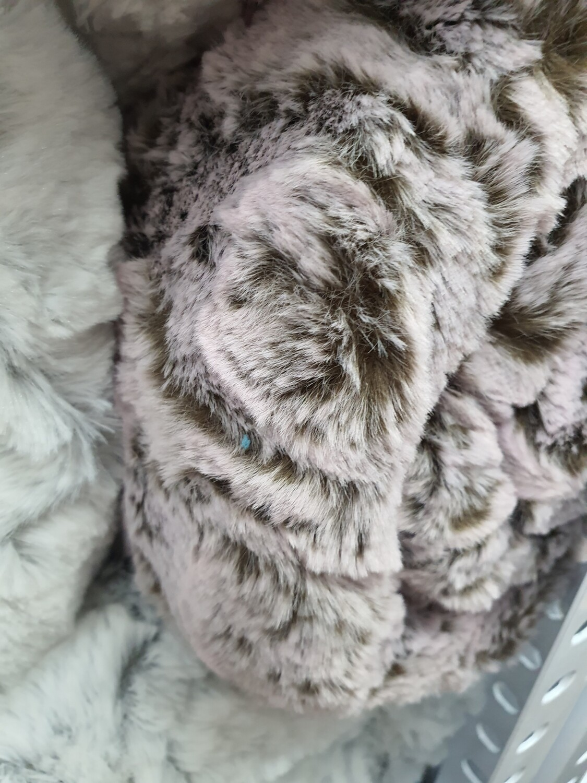 Fluffy Winter throws