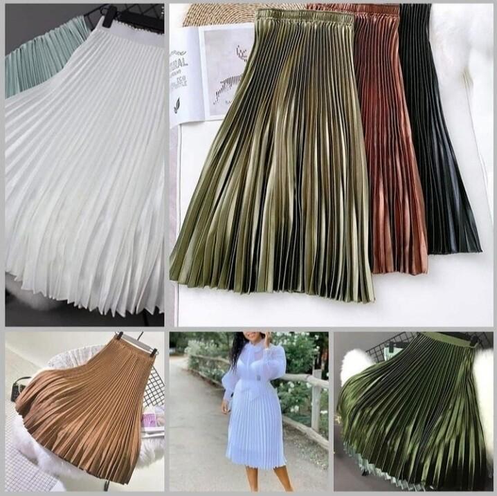 Mid length Sateen pleated skirt