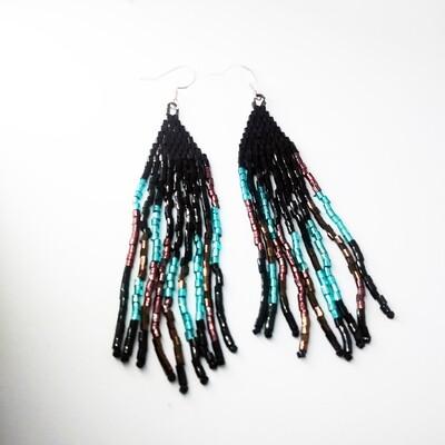 Emerald black wind earrings