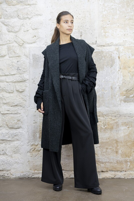 Sleeveless Oversized Felt Coat