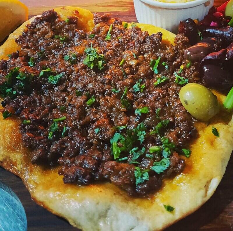 Lahma Bi Ajeen 'Manakeesh' [served hot]