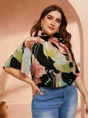 Blusa Plus de Estampado Floral